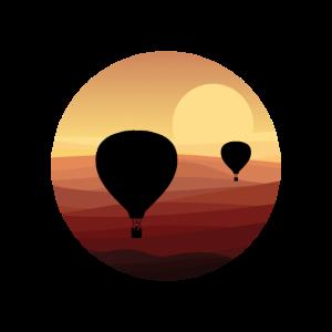 Heißluftballon im Sonnenuntergang