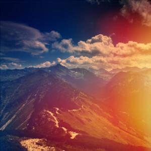 Farbfoto der Berge