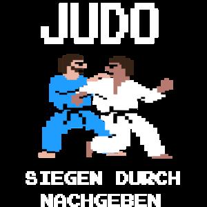 Judo Retrogame T Shirt - Siegen durch Nachgeben