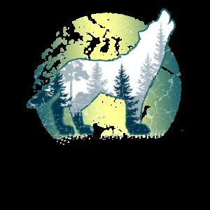 Heulender Wolf im Wald