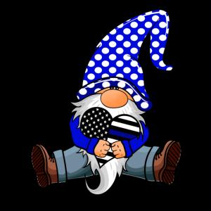 Lustige Gnome Holding dünne blaue Linie Polizist