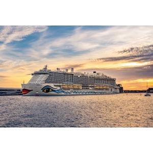 Nova-Schiff auf Madeira by Grubergrafie