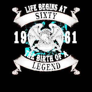Das Leben beginnt mit sechzig 1961 die Geburt einer Legende.