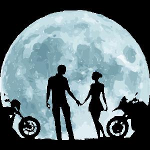 Vollmond und Paar mit Motorrädern