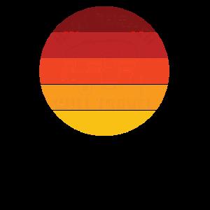 Haben Anhänger wird rund um Sonnenuntergang reisen