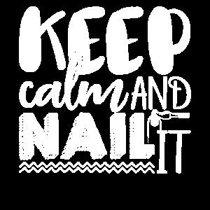 Nail Tech Halten Sie ruhig und Nagel es