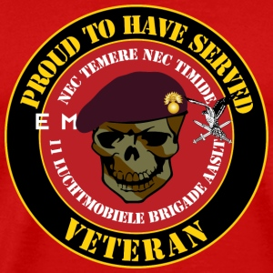 Proud to have served Veteran Grenadiers - Mannen Premium T-shirt