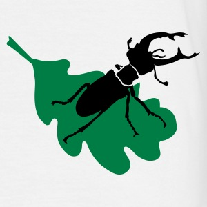 Stag beetle on leaf - Men's T-Shirt