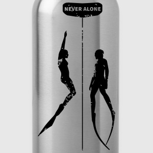 Never Alone II - Trinkflasche
