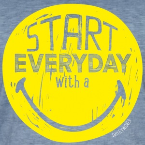 SmileyWorld Start Everyday With A Smile - Männer Vintage T-Shirt