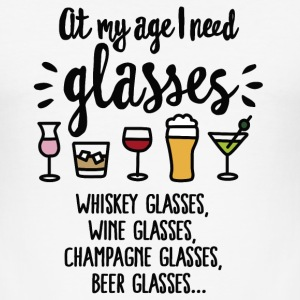 At my age I need glasses FC Tee shirts - Tee shirt près du corps Homme