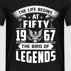 The Life Begins at 50 - Männer T-Shirt