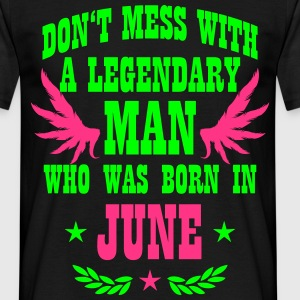 Don't mess with a MAN born in June Shirt Wings - Männer T-Shirt