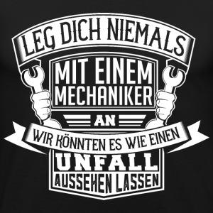 suchbegriff 39 kfz mechaniker 39 t shirts online bestellen spreadshirt. Black Bedroom Furniture Sets. Home Design Ideas