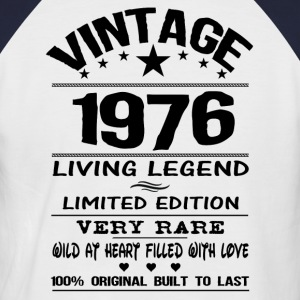 VINTAGE 1976-LIVING LEGEND