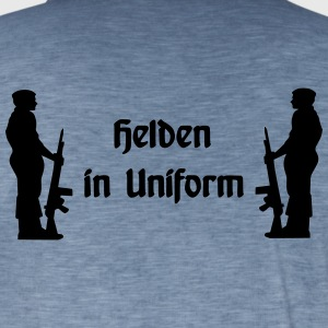 Helden in Uniform - Männer Vintage T-Shirt