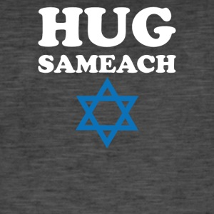 Hug sameach Hebrew for Happy holidy - Men's Vintage T-Shirt