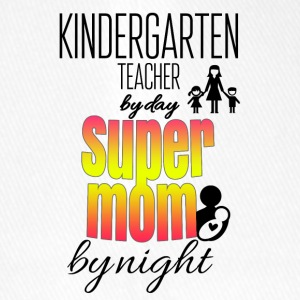Kindergarten teacher by day and super mom by night - Flexfit Baseballkappe