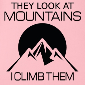 They look at mountains - I climb them - Organic Short-sleeved Baby Bodysuit