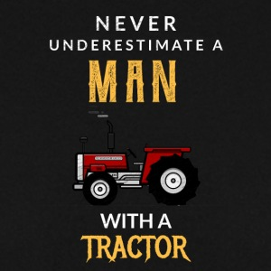 Never underestimate a man with a tractor! - Men's Sweatshirt