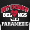 My heart belongs to a paramedic - Vrouwen T-shirt
