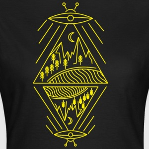 Ufo sighting paranormal mountains sun trees - Women's T-Shirt