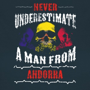 never underestimate man ANDORRA - Frauen T-Shirt
