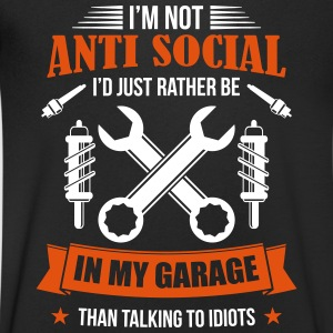 Mechanic in garage asociaal - - Mannen T-shirt met V-hals