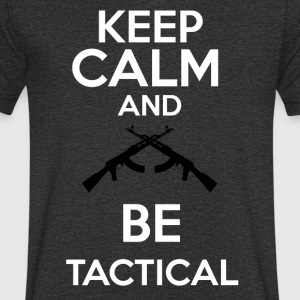 keepcalm and be tactical - Camiseta ecológica hombre con cuello de pico de Stanley & Stella
