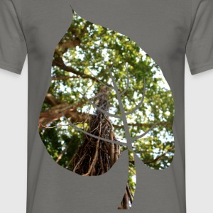 Leaf in tropical forest - Men's T-Shirt