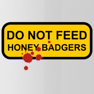 Do not feed honey badgers yellow sign - Water Bottle
