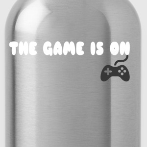 THE GAME IS ON T-SHIRT - Water Bottle