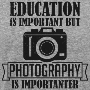 Photography is importanter - Männer Premium T-Shirt