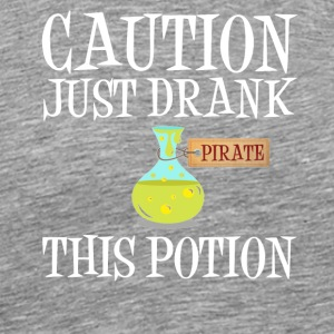 Varning! Pirate potion Halloween kostym - Premium-T-shirt herr