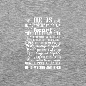 He is my son and hero - Männer Premium T-Shirt