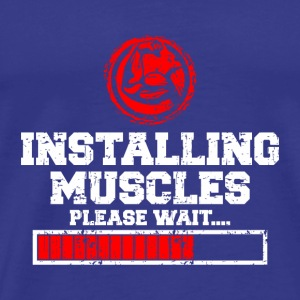 MUSKEL FITNESS: INSTALLING MUSCLES GIFT - Men's Premium T-Shirt