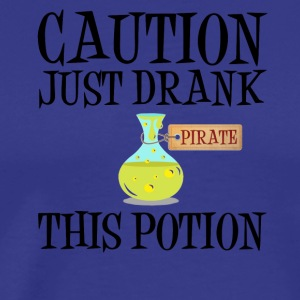 Varning! Pirate piraten potion Halloween kostym - Premium-T-shirt herr