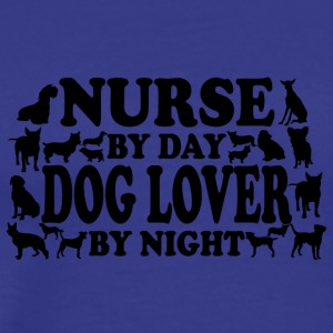 Nurse by day doglover by night - Männer Premium T-Shirt