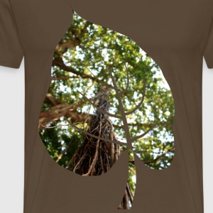 Leaf in tropical forest - Men's Premium T-Shirt