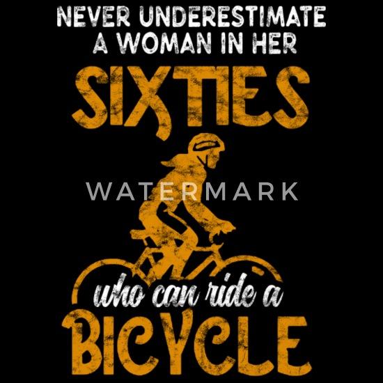 Wonderbaar Vrouw 60 jaar oude fiets 60s fietsen gepensioneerde Vrouwen LV-32