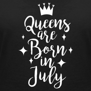Queens are born in July - Women's Organic V-Neck T-Shirt by Stanley & Stella