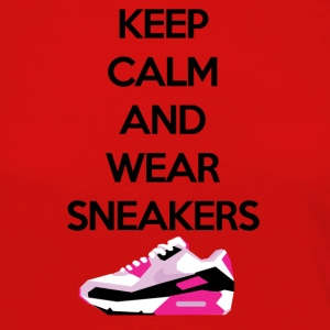 Keep calm and wear Sneakers - Frauen Premium Langarmshirt