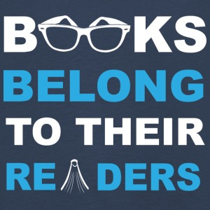 Books belong to their readers - Kinder Premium Langarmshirt