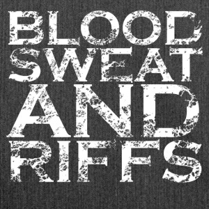BLOOD SWEAT AND RIFFS - Schultertasche aus Recycling-Material