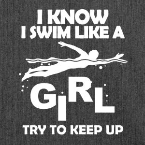swim like a girl - Schultertasche aus Recycling-Material