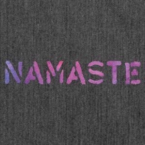 Yoga NAMASTE Typo Stencil Aquarell Purple - Schultertasche aus Recycling-Material