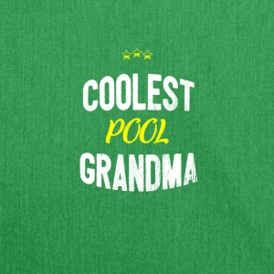 Distressed - COOLEST POOL GRANDMA - Schultertasche aus Recycling-Material
