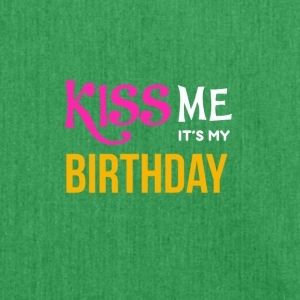 BDAY | KISS ME - Schultertasche aus Recycling-Material