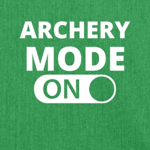 MODE ON ARCHERY - Schultertasche aus Recycling-Material