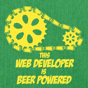 this web developer is beer powered - Schultertasche aus Recycling-Material